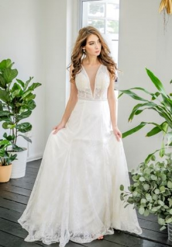 293b61d5c64 Fleur D sign is a One Stop wedding boutique in Singapore offer Luxury Wedding  Gowns all at an affordable price point.